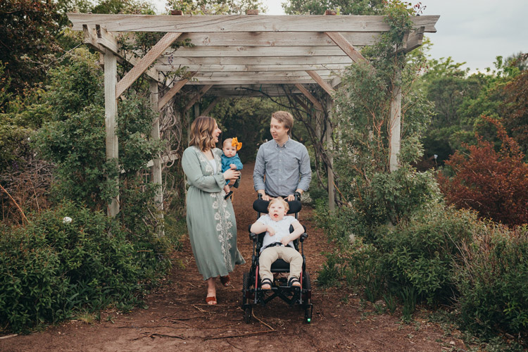 william and family outside photo shoot